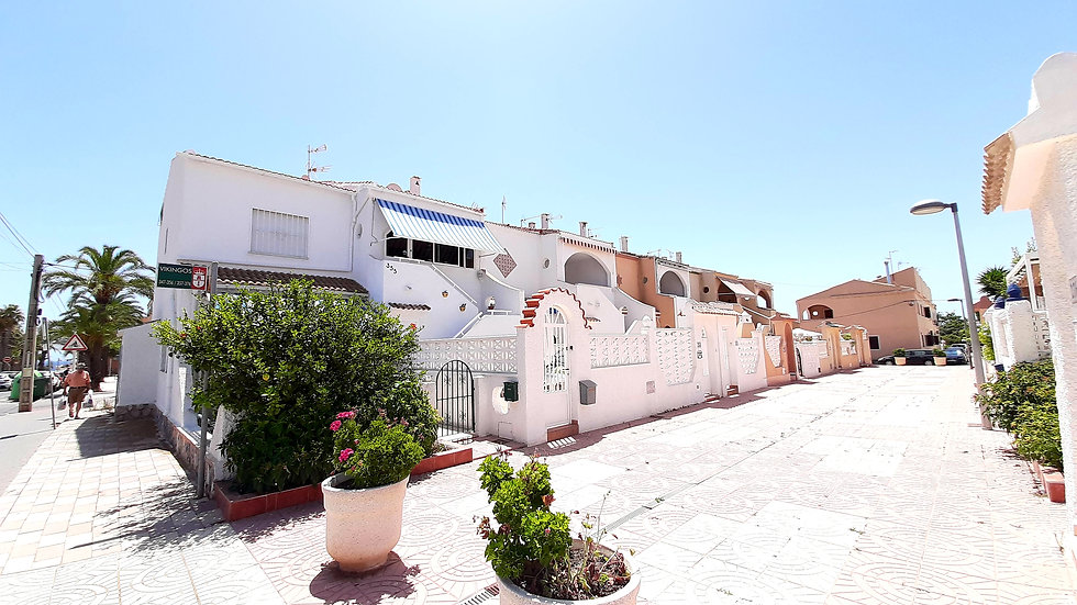 Holiday Rental in Mil Palmeras, Pilar de la Horadada - Bungalow - VIKINGO