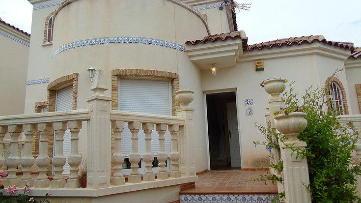 Long Term Rental in El Raso, Guardamar · Unfurnished Detached Villa · 230LT