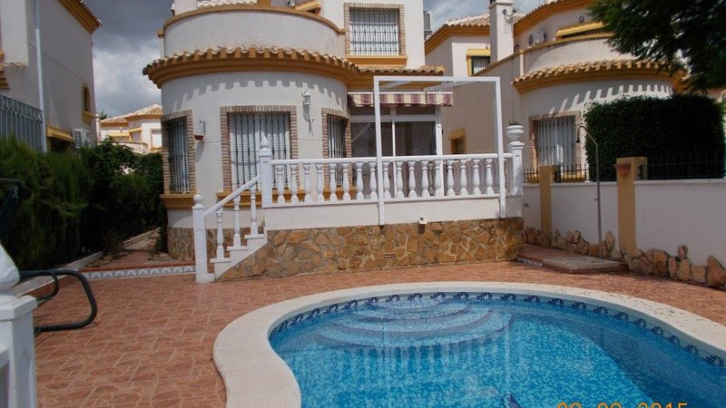 Long Term Rental in El Raso, Guardamar - Villa with Private Pool - 622LT