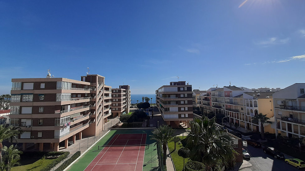 Long Term Rental in Torrevieja / Apartment with Sea View / 091LT