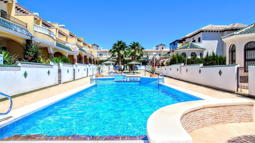 3 Bed Townhouse (6 Pers.) Holiday Rental in Doña Pepa, Ciudad Quesada - 310ST