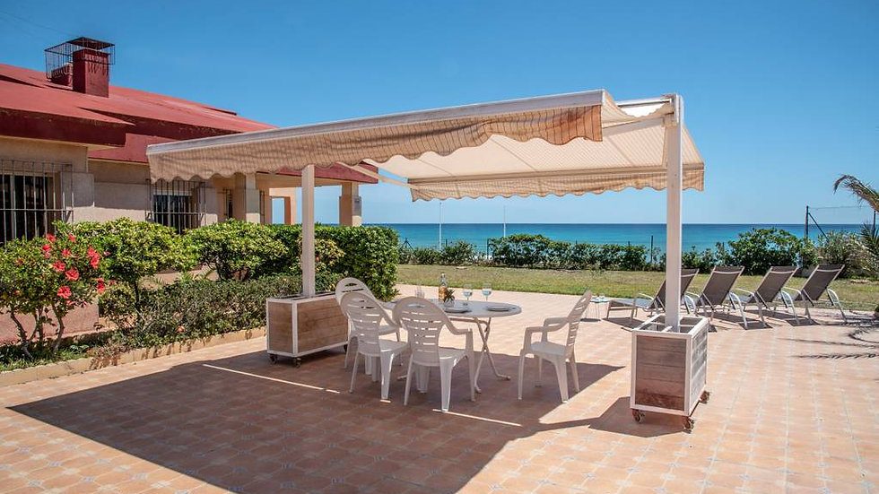 7 Bed Villa (13 Pers.) for Holiday Rental in La Mata, Torrevieja - 220ST