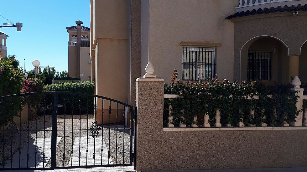 3 Bed Quad Villa for Long Term Rental in El Raso, Guardamar - 375LT