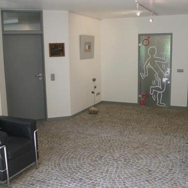Sichtschutz an Toilettentüren in einem Gewerbeobjekt (Issum)