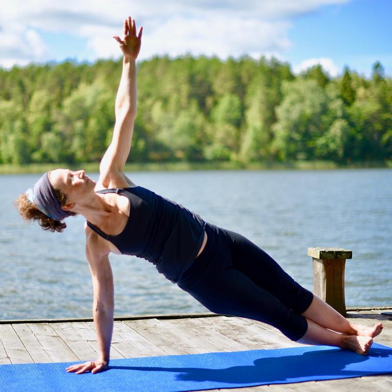 Logarn- Sommar yoga på bryggan- Torparudden