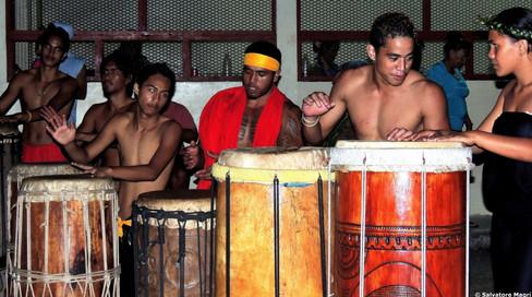 Marchesi, Hiva Oa, Atuona, festival di danza, suonatori di tamburi