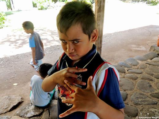 Isole Marchesi, Tahuata, visi di bimbi