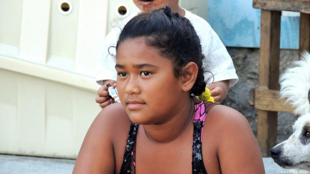 Tuamotu, Raroia, davanti a casa