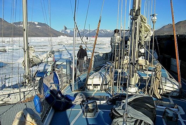 Ormeggio del 26 Luglio Svalbard 2011 013 small.png