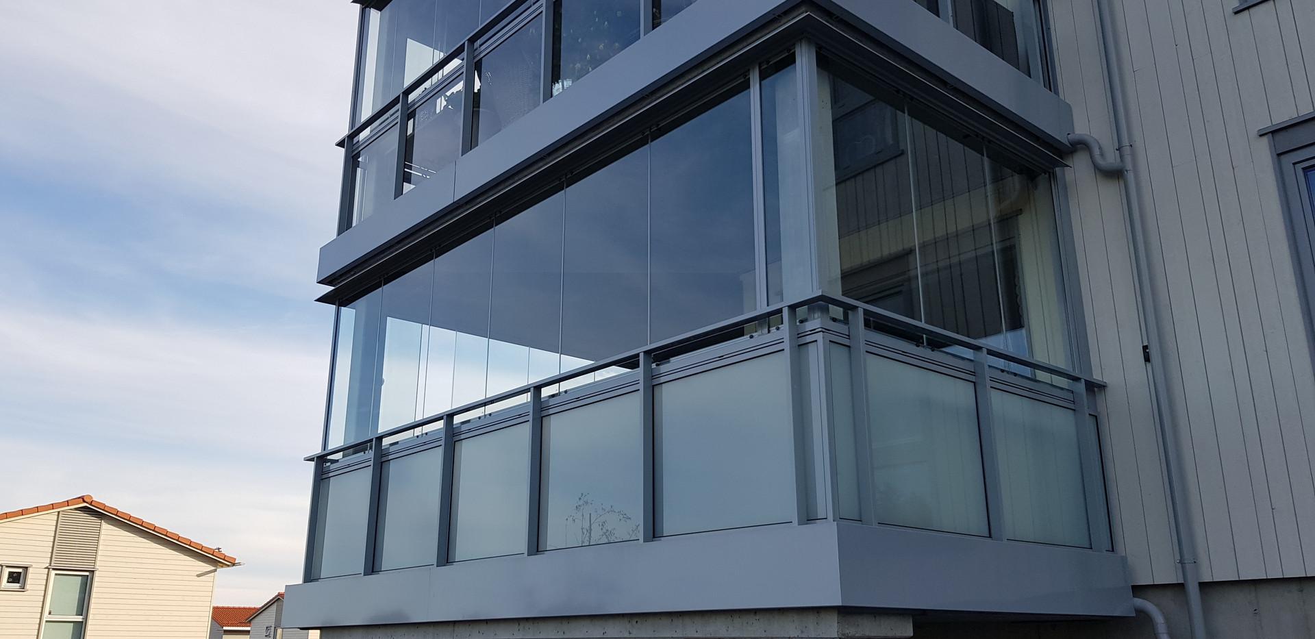 Innglassing med foldesystem 410 - Revetal Glasservice AS