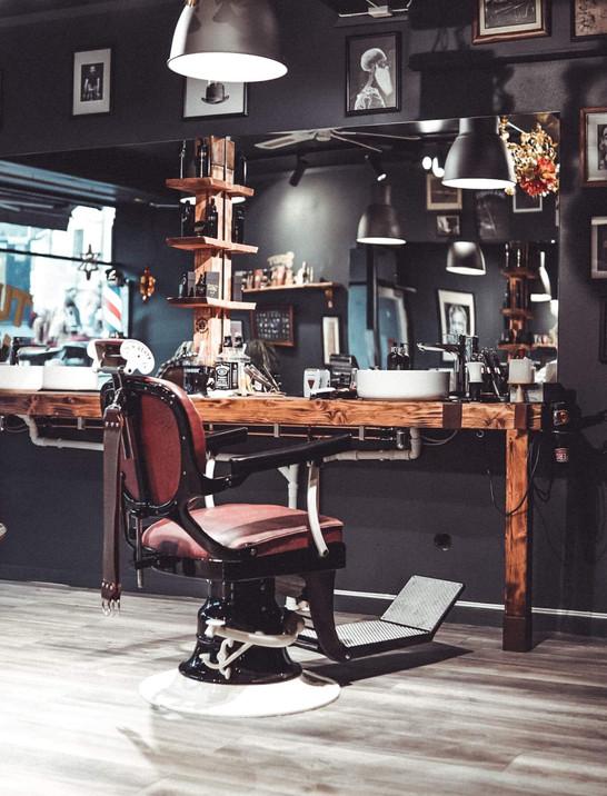 Staut Barbershop - Speil .JPG