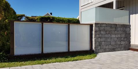 Glassrekkverk kombinert med Treverk