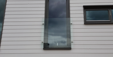 Franskbalkong - Vindskjerming i glass - Revetal Glasservice AS