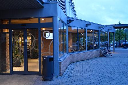 Fasade, aluminium, glassmester, Revetal Glasservice AS, Automatikk dører, innglassing, solide dører, wwww.revetalglasservice.no, Re, Vestfold, Revetal
