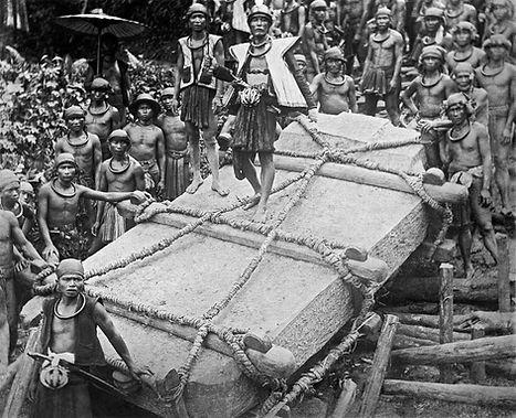 Ono Niha Megalith_1915.jpg