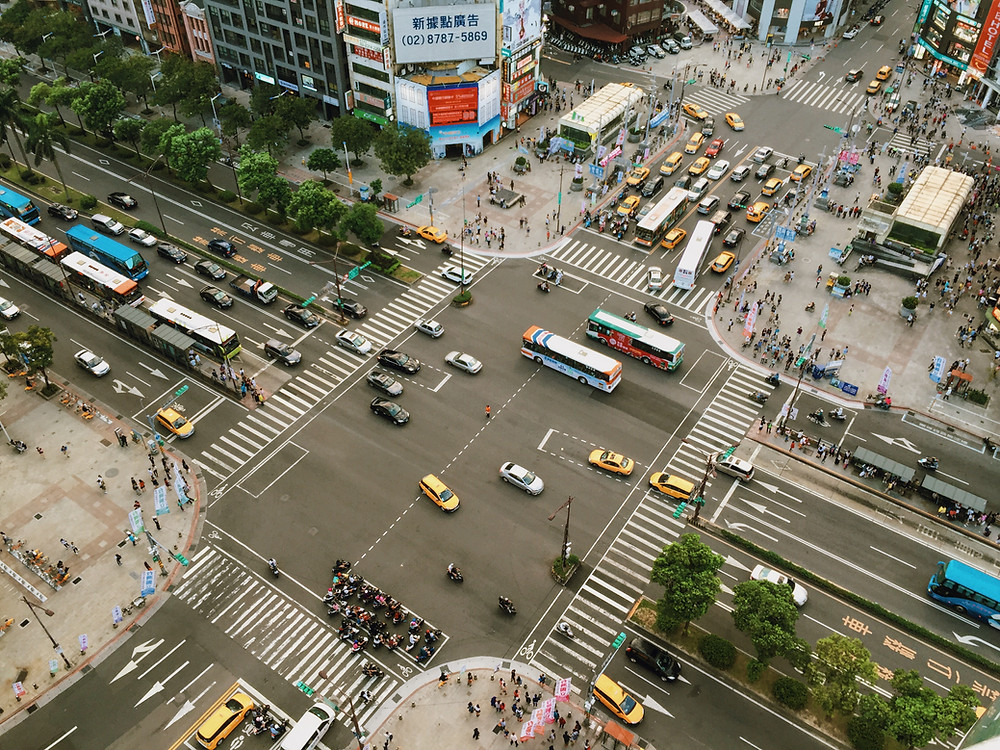 The chaos of life at a metropolitan intersection