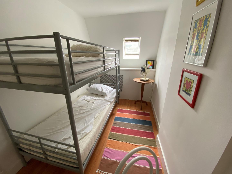 2e etage - kleine kamer.jpg