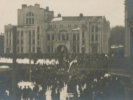23 veebruar 1918 kuulutati Pärnu Endla teatri rõdult välja Eesti Vabariik