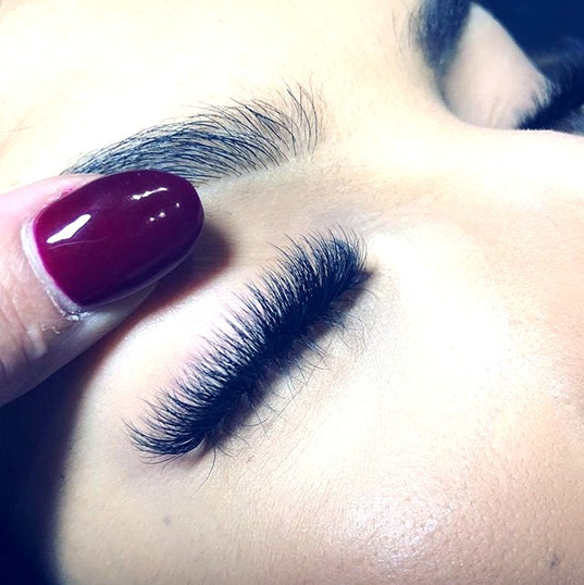 Mega Volume Lashes.