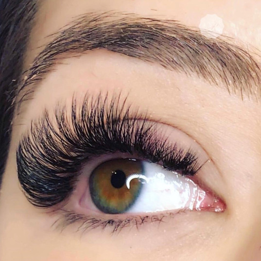 Volume Lashes. 9mm-13mm. Cat Eye.