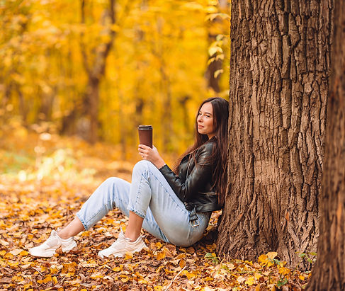 fall-concept-beautiful-woman-in-autumn-p