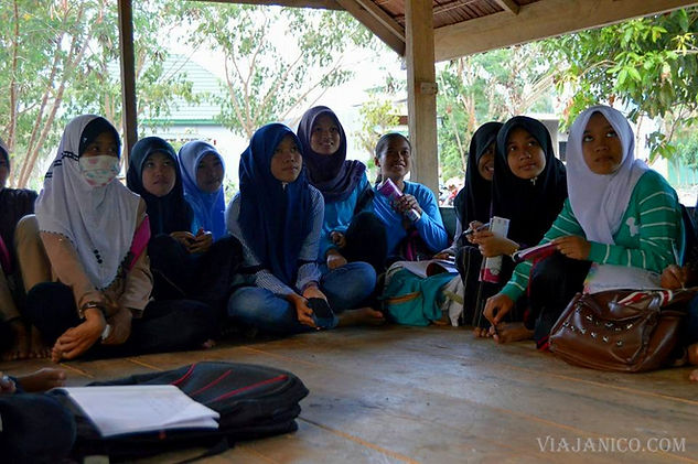 voluntariado indonesia belopa ok (2).jpg