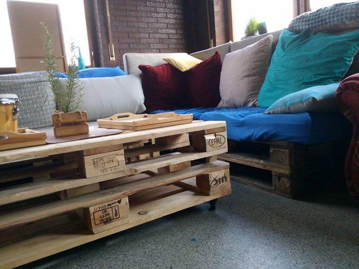 Unsere Upcycling Möbel kommen gut an, wir bekommen schon erste Bestellanfragen ..