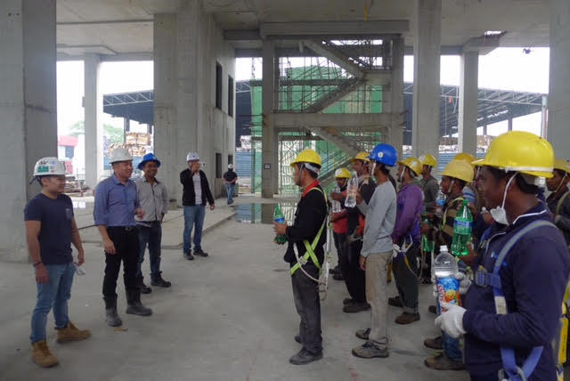 Safety Briefing by Personnel