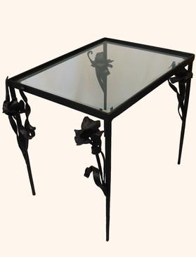 Iris Table
