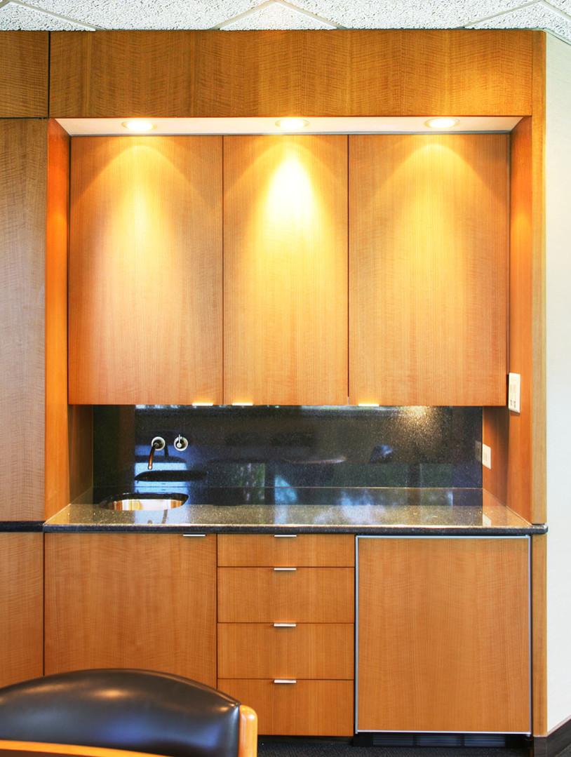 Kitchenette 2.jpg