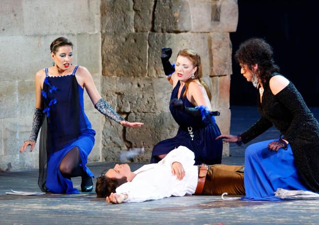 3. Dame / Die Zauberflöte: Die drei Damen führen ihre Stimmen ausgezeichnet. (operapoint.de)
