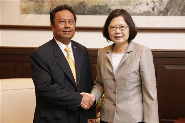 Remengesau to reaffirm Palau-Taiwan  friendship with state visit