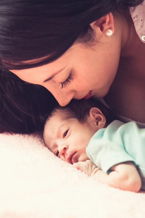 Sesión de recién nacido en casa Quito