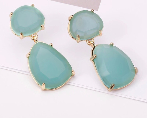 Green And Gold Drop Earring Beautiful Truly A Statement Piece To Dress Up Any Outfit