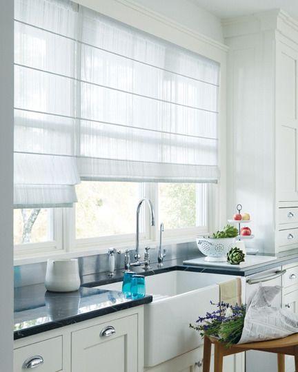 Store_blanc_fenêtre_cuisine_