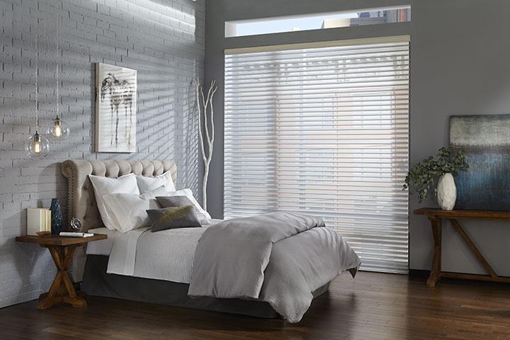 Store_blanc_grande_fenêtre_chambre_à_cou