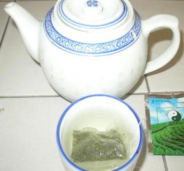 cup with tea bag,  glass with whole leaf tea, Testimonials