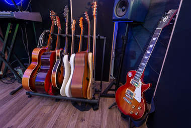 Plenty of guitars to choose from....