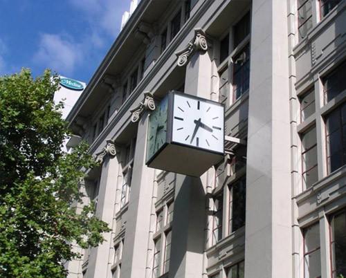 HeraldSun Building Melbourne - Drum Clock