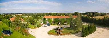 Ardoux 5 bedroom farmhouse for self catering holiday rental, Vendee, France