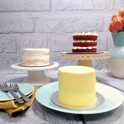 Wedding cake consultation at Laura's Kitchen Cakery