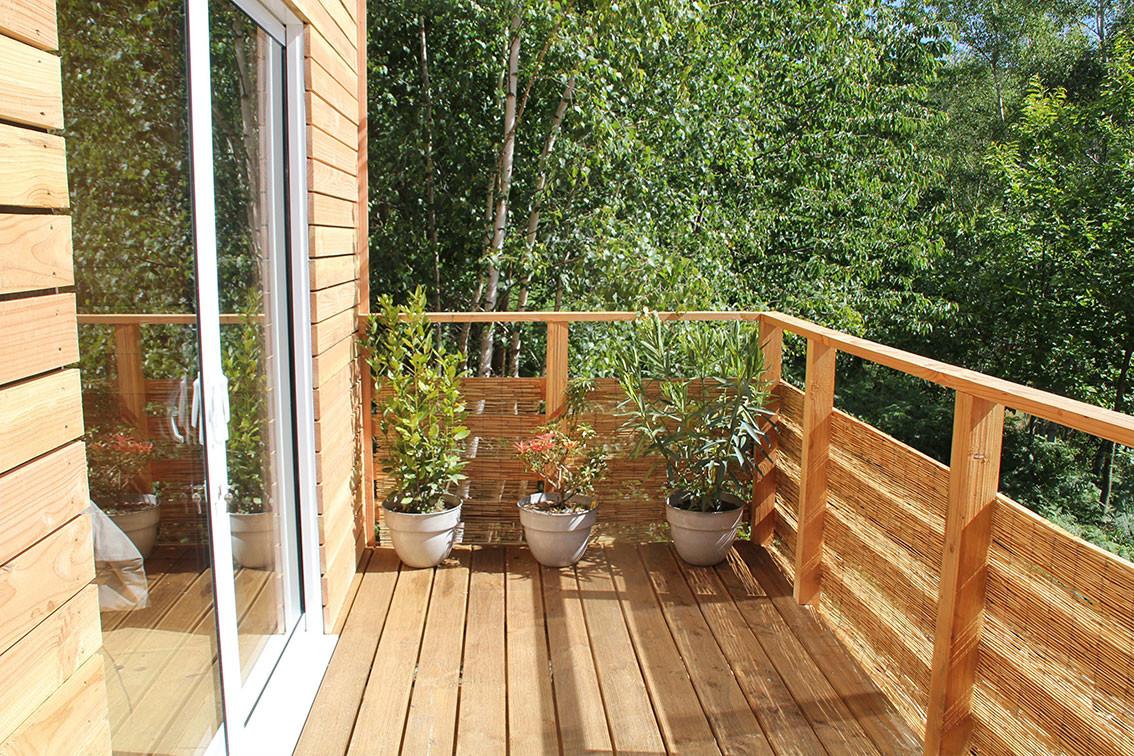 la baie ouverte sur la terrasse