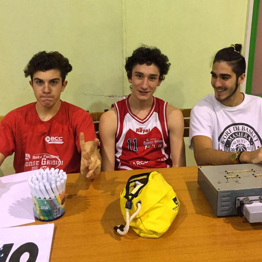 Edo, Matteo e Luca al tavolo