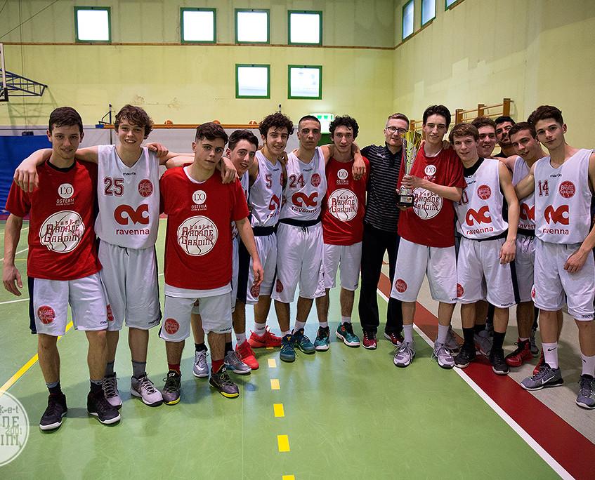 L'Aronne Gardini festeggia il primo trofeo stagionale