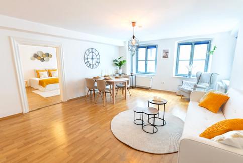 3 - Wohnzimmer 2.jpg