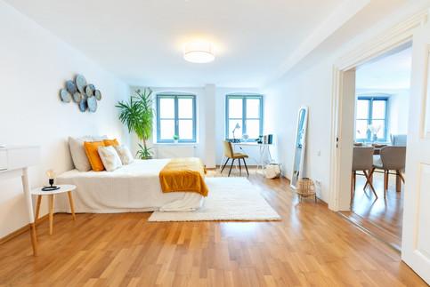 6 - Schlafzimmer 1.jpg