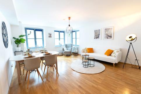 2 - Wohnzimmer 1.jpg