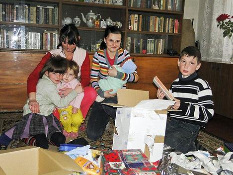 2 Moldavie, Alexandra avec sa famille.jp