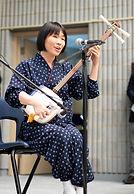 Aki Takahashi peforms Shamisen for Mitsuki