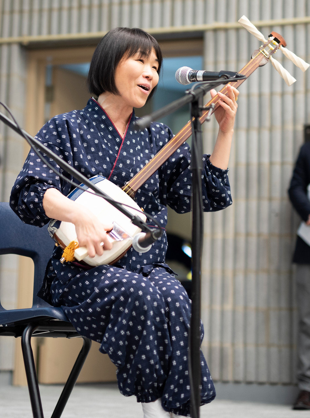 Aki Takahashi performs Yagi-bushi on her shamisen in Mitsuki